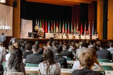 G20 Youth Forum 2014 Plenary Session Becoming the change you want to see